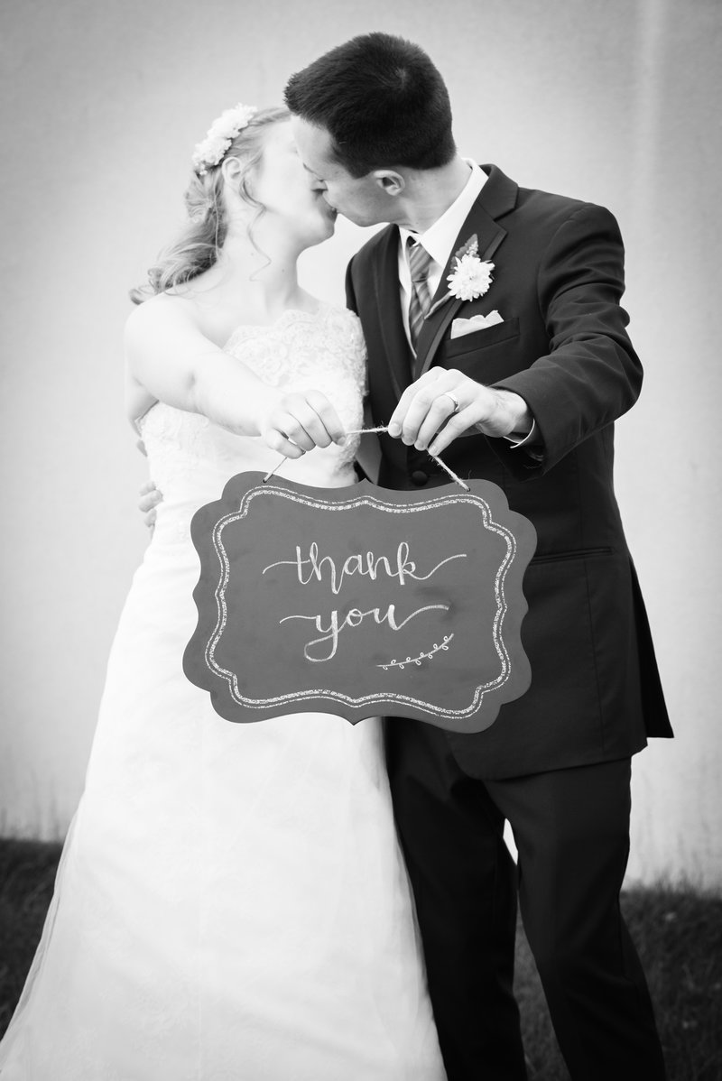 JandDstudio-wedding-blackandwhite-thankyou-brideandgroom