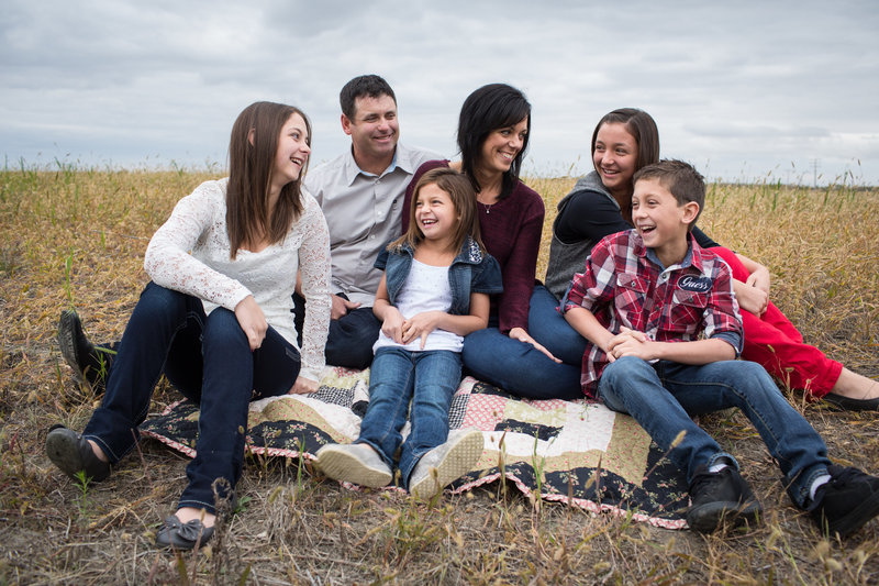 saskatchewan_western_canada_family_portrait_lifestyle_photographer_015