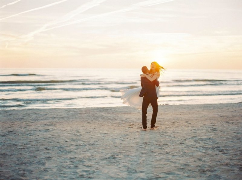 2BridesPhotography_Destination_Beach_Wedding_Latvia_48