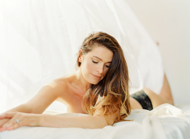 01-Manhattan-Boudoir-Photographer-Alicia-Swedenborg