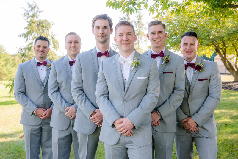 JandDstudio-colonial-golf-and-tennis-club-harrisburg-wedding-photography-outdoor-groom-groomsmen
