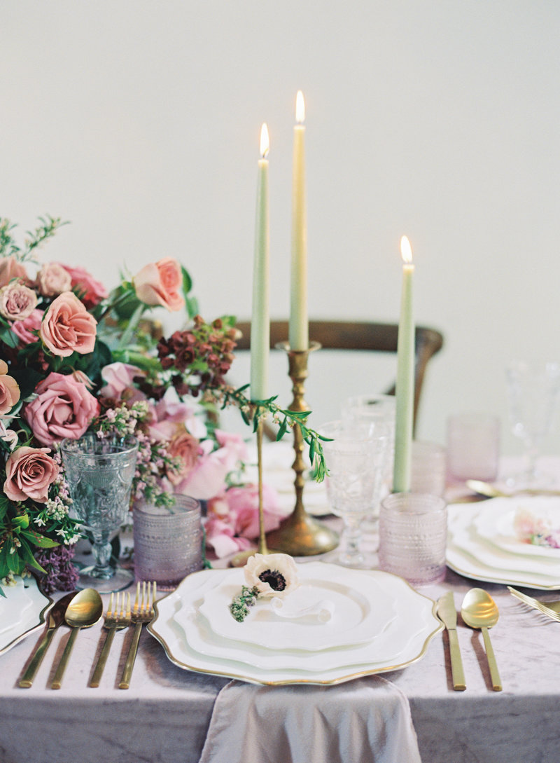 Raela is a wedding planner in Nashville with a heart for fine art details and cohesive wedding  design.