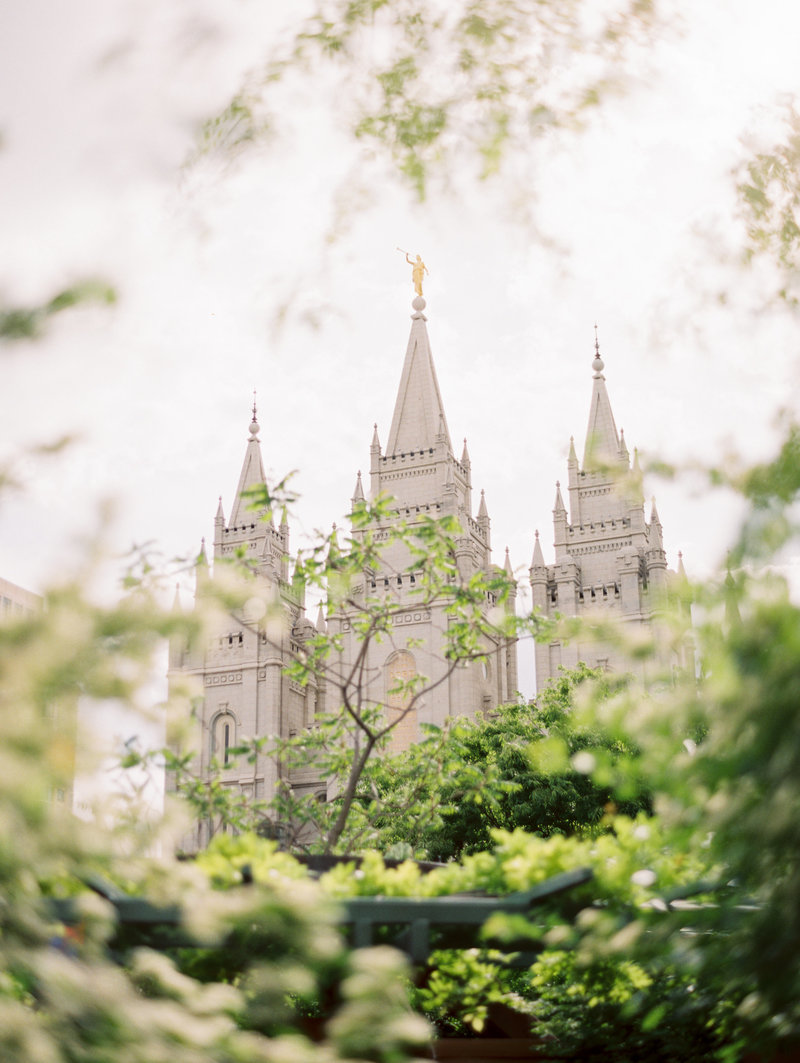 salt lake city temple wedding in summer by brushfire photography