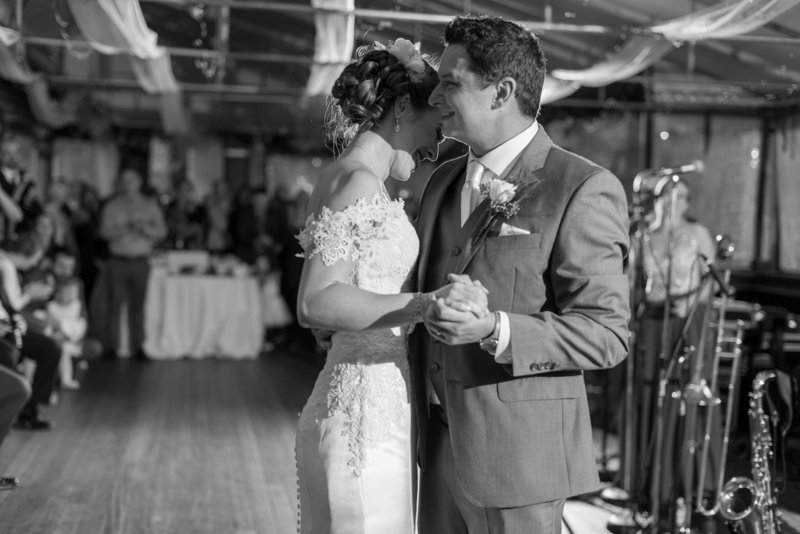 Southern Maine Wedding Photos by Linda Barry Photography