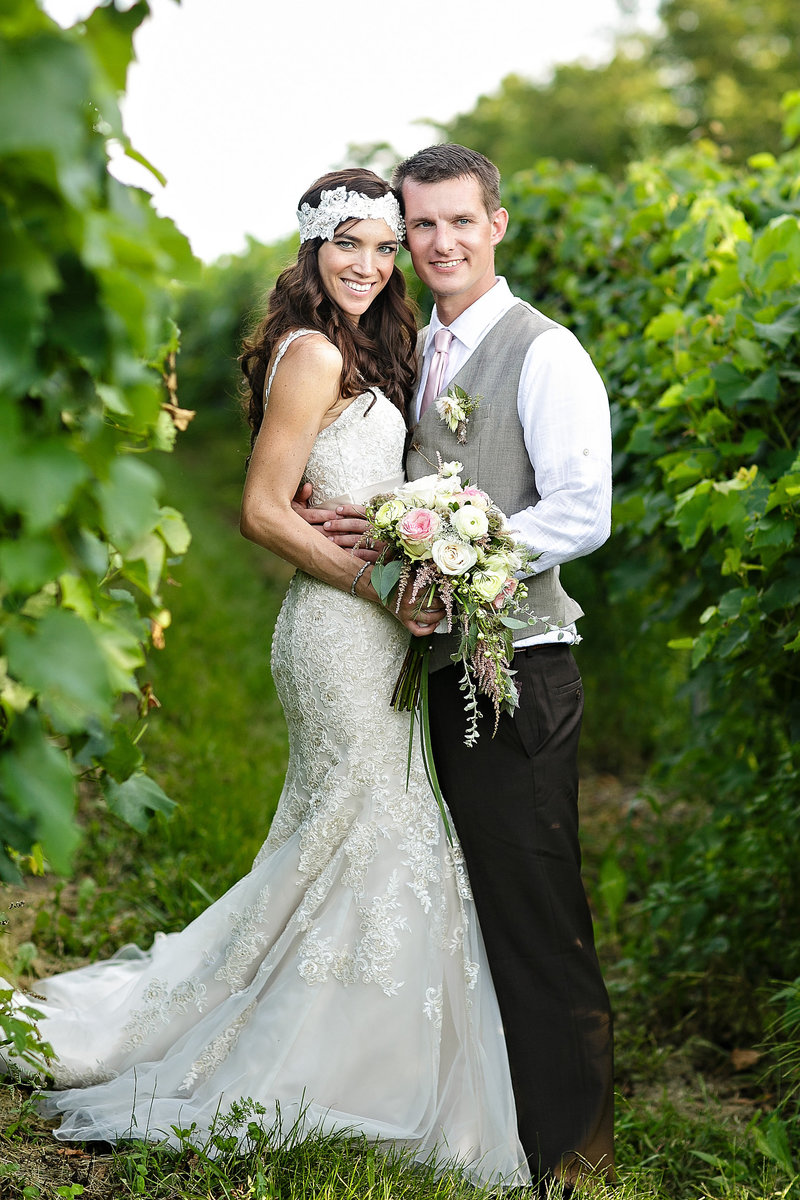 sunset-meadow-vineyards-wedding-photos-061
