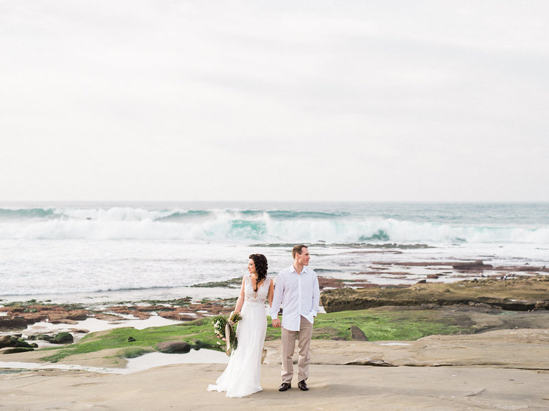 reneehollingsheadphotography_natural_coastal_wedding_inspiration-177