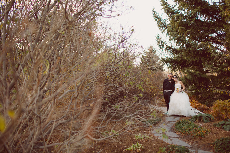 calgary_zoo_saskatchewan_canada_wedding_photographer_013