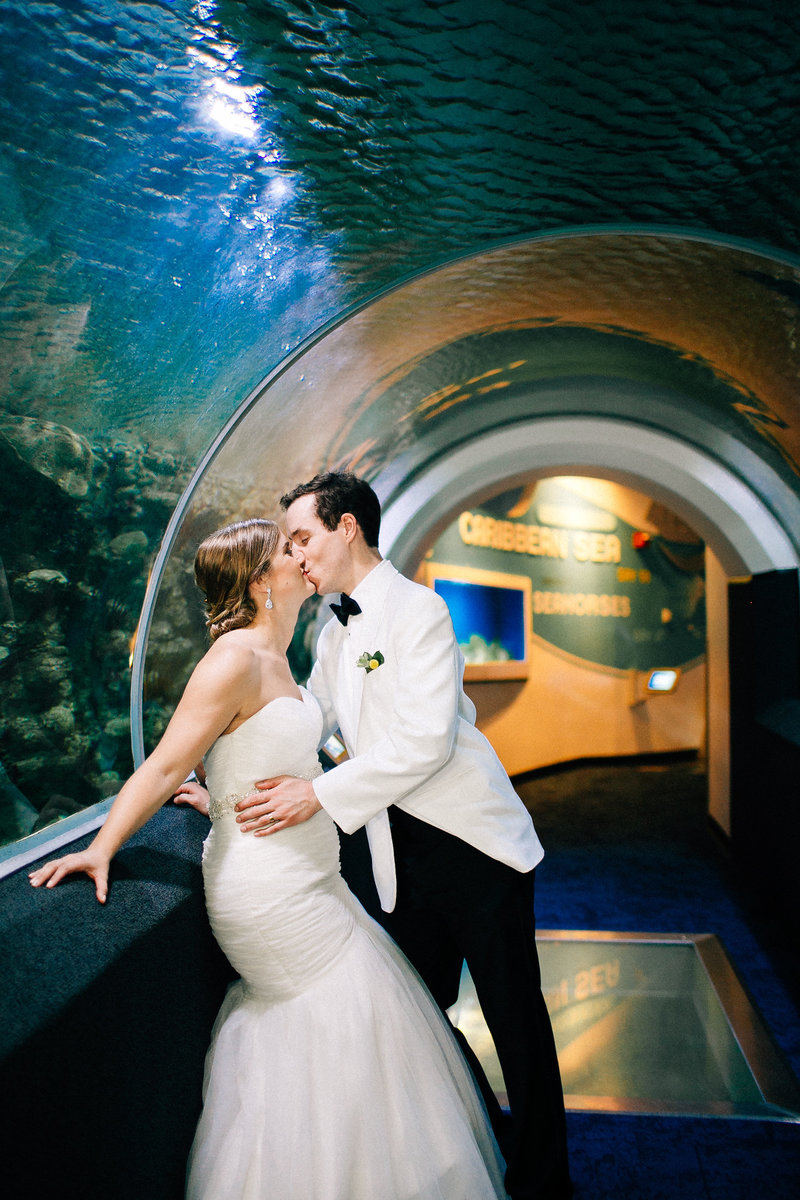 discovery-world-wedding-milwaukee-wedding-photographer-mackenzie-orth-photography-16