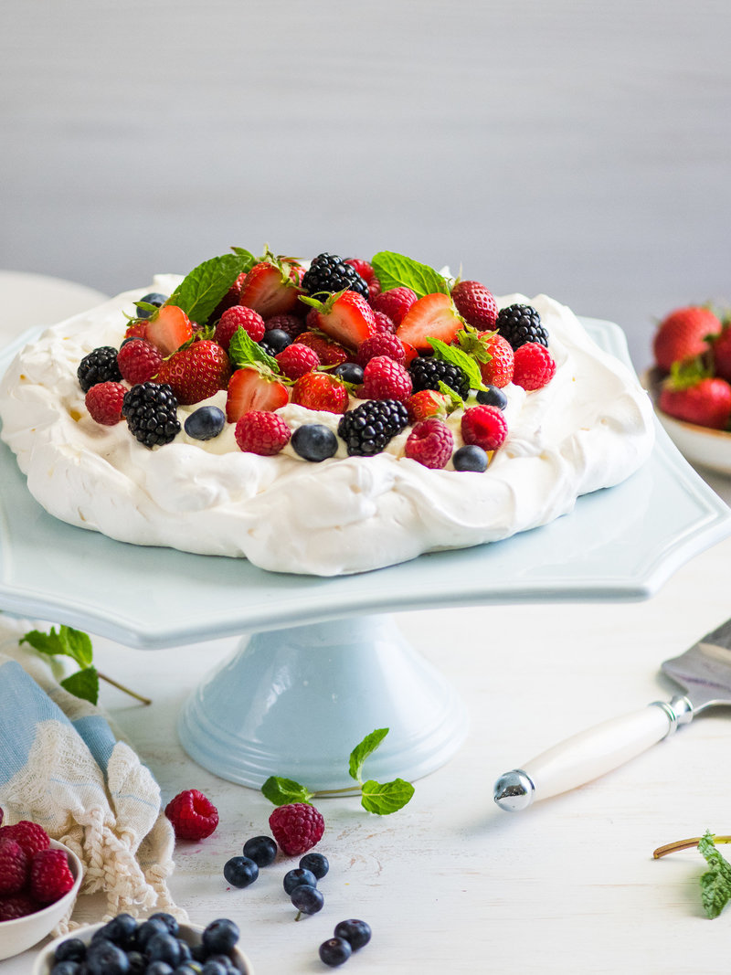 1_Pavlova w Sweetened Whipped Cream and Fresh Berries-002-2016-Portfolio