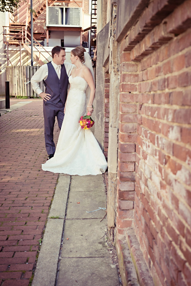 JandDstudio-wedding-photogrphy-york-pa-outdoor-brideandgroom-rustic-modern