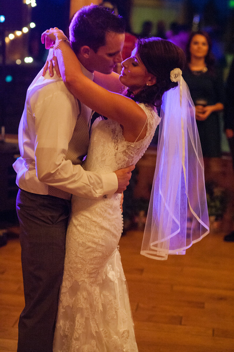 First dance wedding photography at Aspen Lakes Golf Club by Bend Oregon wedding photographer Pete Erickson.
