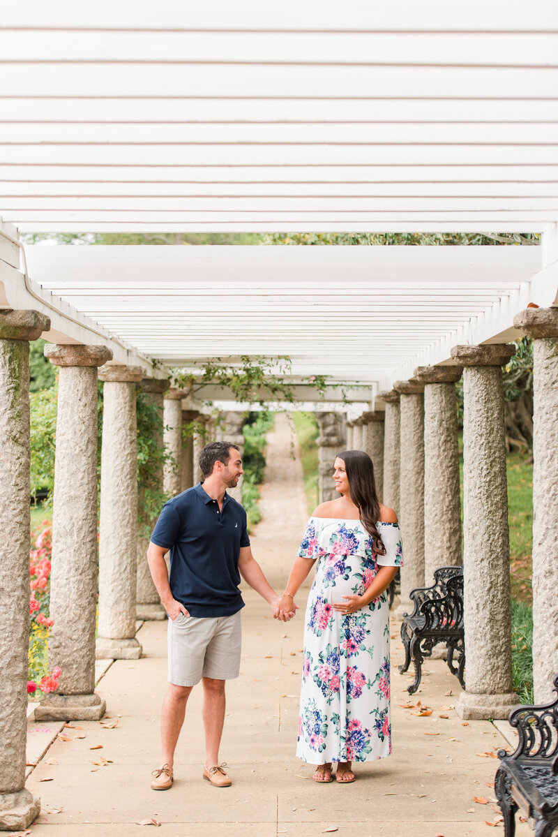 Richmond Maymont park spring rose garden maternity photography -18
