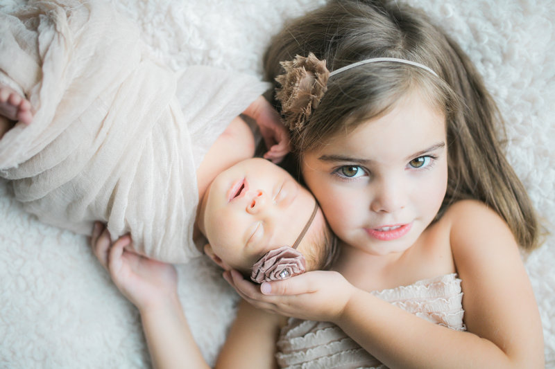 newborn-sibling-session-malicote