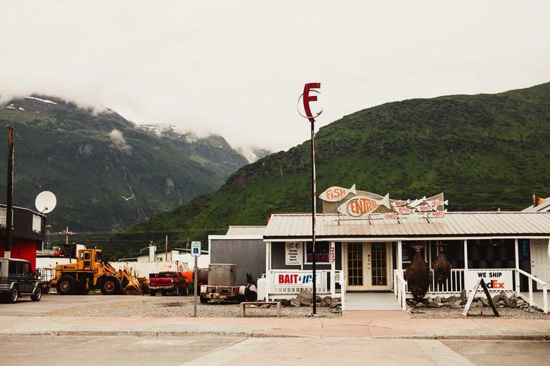 TheCotters-ValdezWedding-DockPointBeach-©LaurenRoberts2016-1