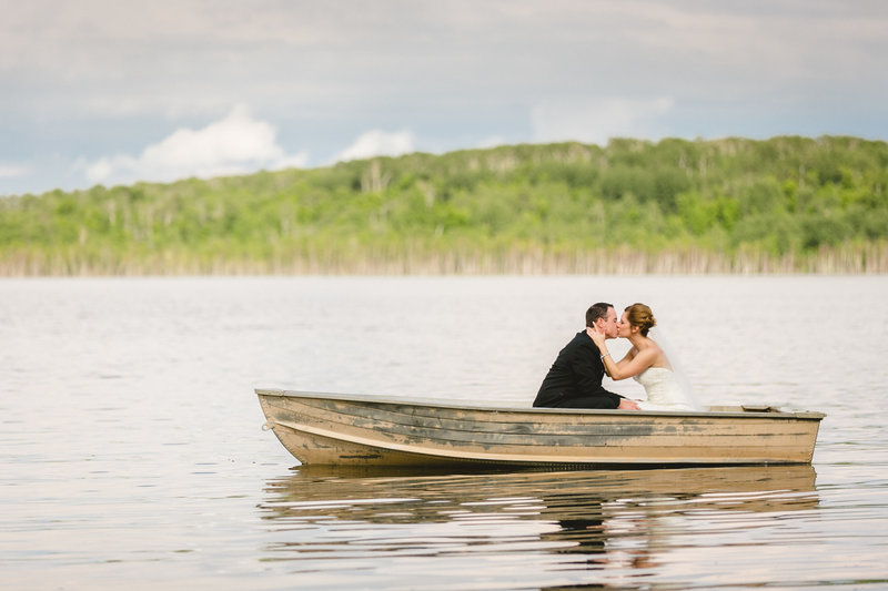 kenosee_lake_the_red_barn_saskatchewan_canada_wedding_photographer_014