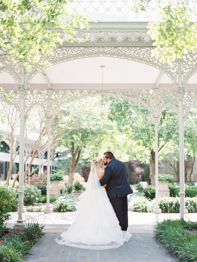 the_crescent_dallas_wedding_photographer_bethany_erin-60