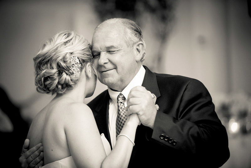 Emotional-Father-daughter-dance