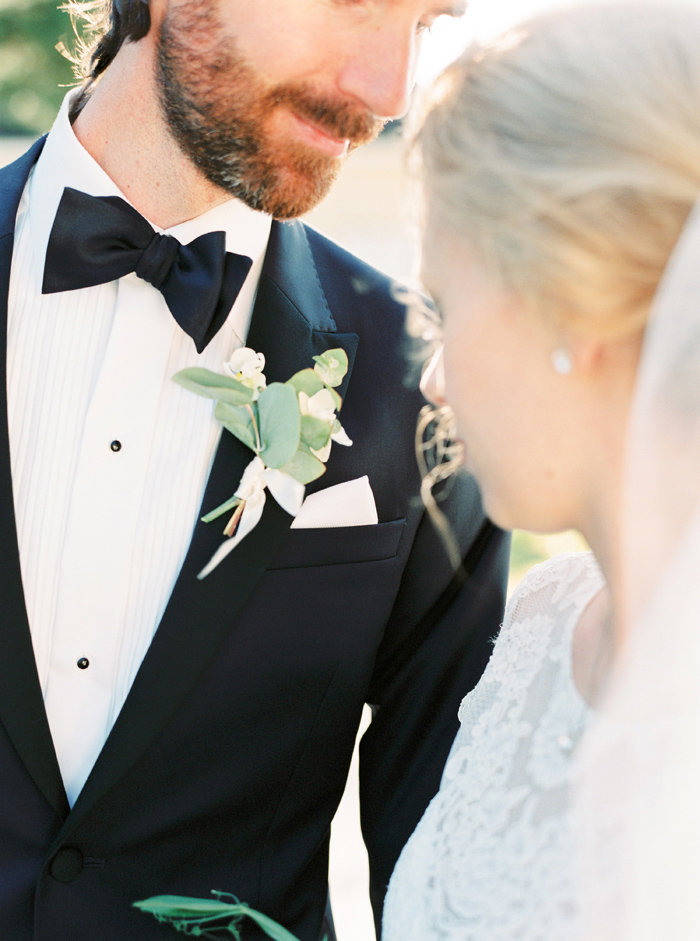 057-grooms-outfit-detail-shot