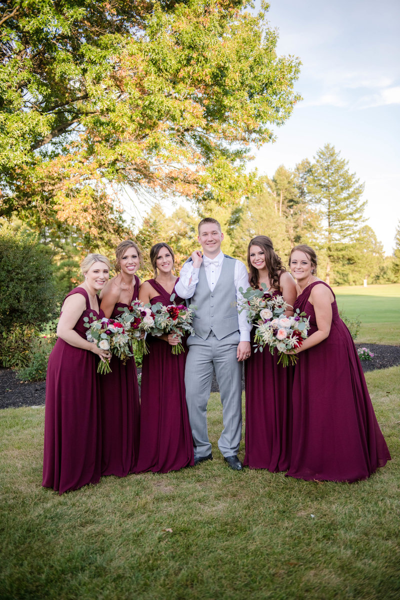 JandDstudio-colonial-golf-and-tennis-club-harrisburg-wedding-photography-outdoor-groom-bridesmaids