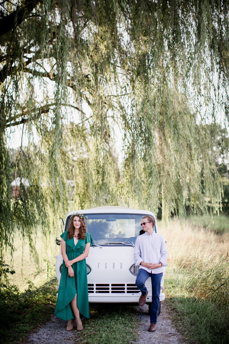 Flower truck under a weeping willow by Knoxville Wedding Photographer, Amanda May Photos.