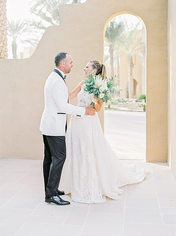 Maria Sundin Photography_White Classic Timeless Wedding Dubai One & Only Royal Mirage Couple