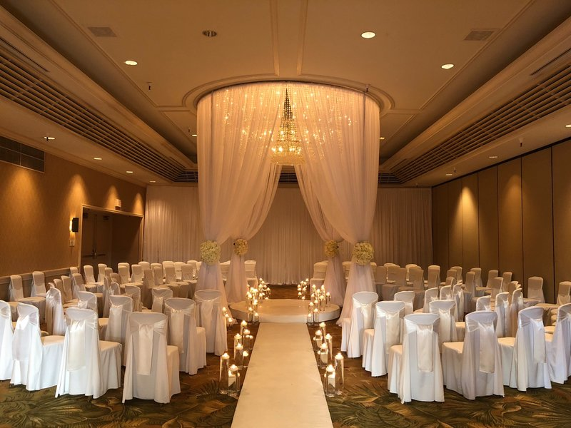 Hyatt chandelier draping -1