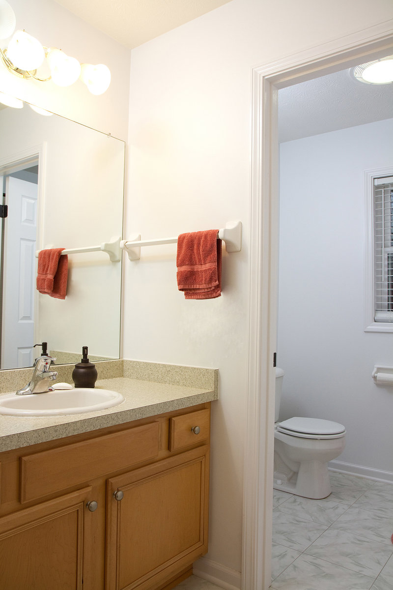 Real Estate Bathroom-13