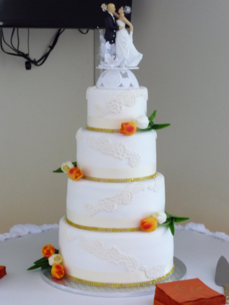 cascading lace wedding cake