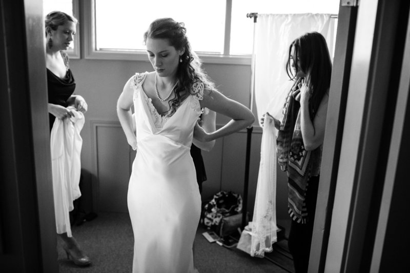 A bride gets ready at Eagle Crest Resort in a destination wedding by Pete Erickson Photography.