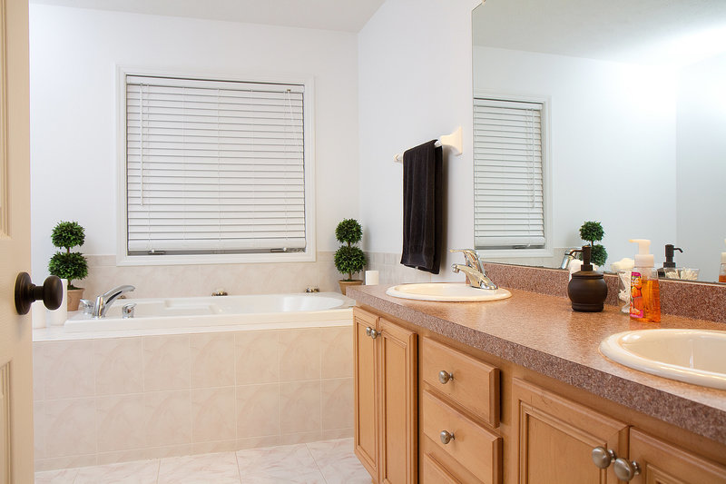 Real Estate Master Bathroom-2-14