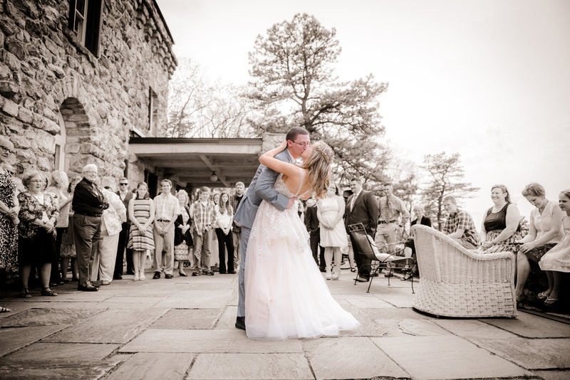 JandDstudio-kings-gap-carlisle-spring-wedding-photography-vintage-brideandgroom-dancing-kissing