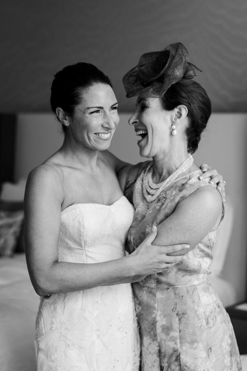 bride-and-mom-on-wedding-day