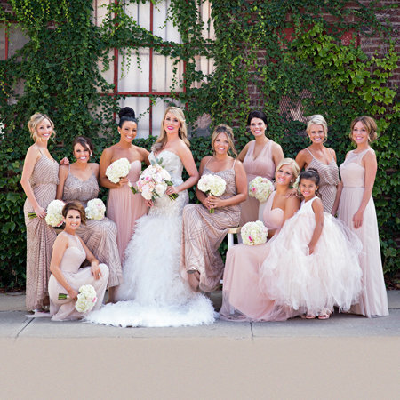 This bridal party shot is outstanding and even friends of the bride on facebook can't get enough. Their comments were outstanding.