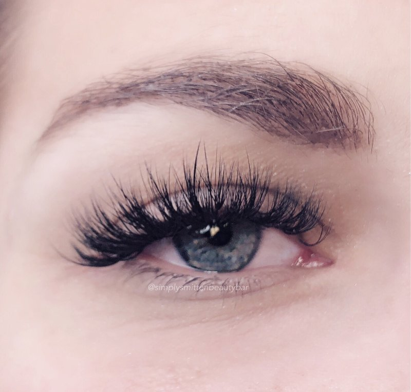 wispy and textured eyelash extensions in Charleston, SC