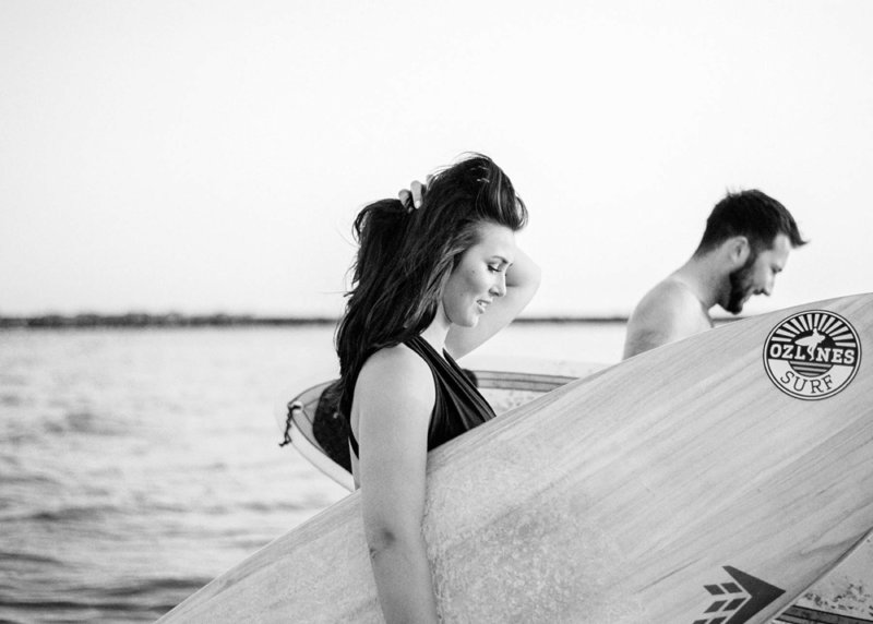 Surfer-couple-film-photography-adventurous-at-the-beach-surfs-up10