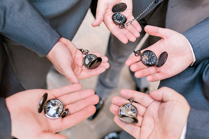 Wedding-Inspiration-Groomsmen-Gifts-Pocket-Watch-Photo-by-Uniquely-His-Photography02