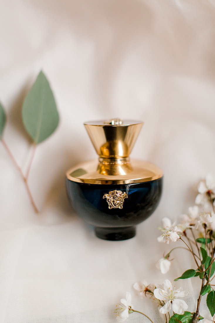Wedding-Inspiration-Bridal-Perfume-Photo-by-Uniquely-His-Photography05