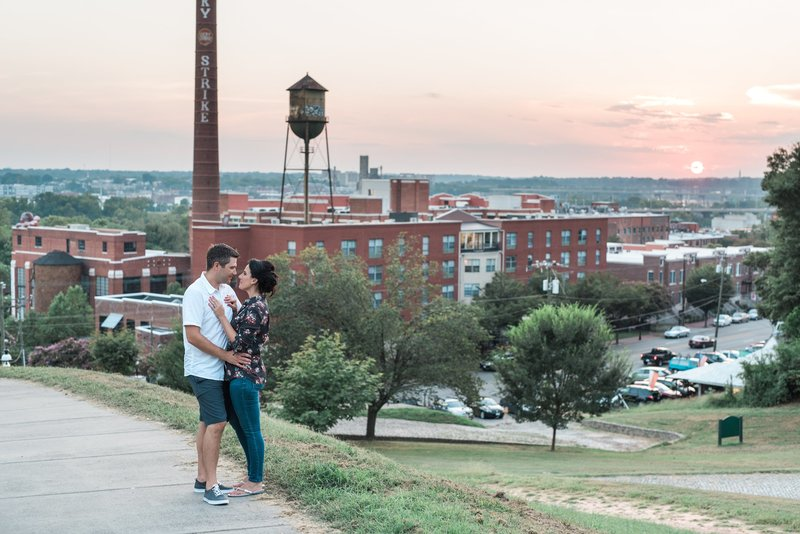 downtown-richmond-va-engagement-photos-114