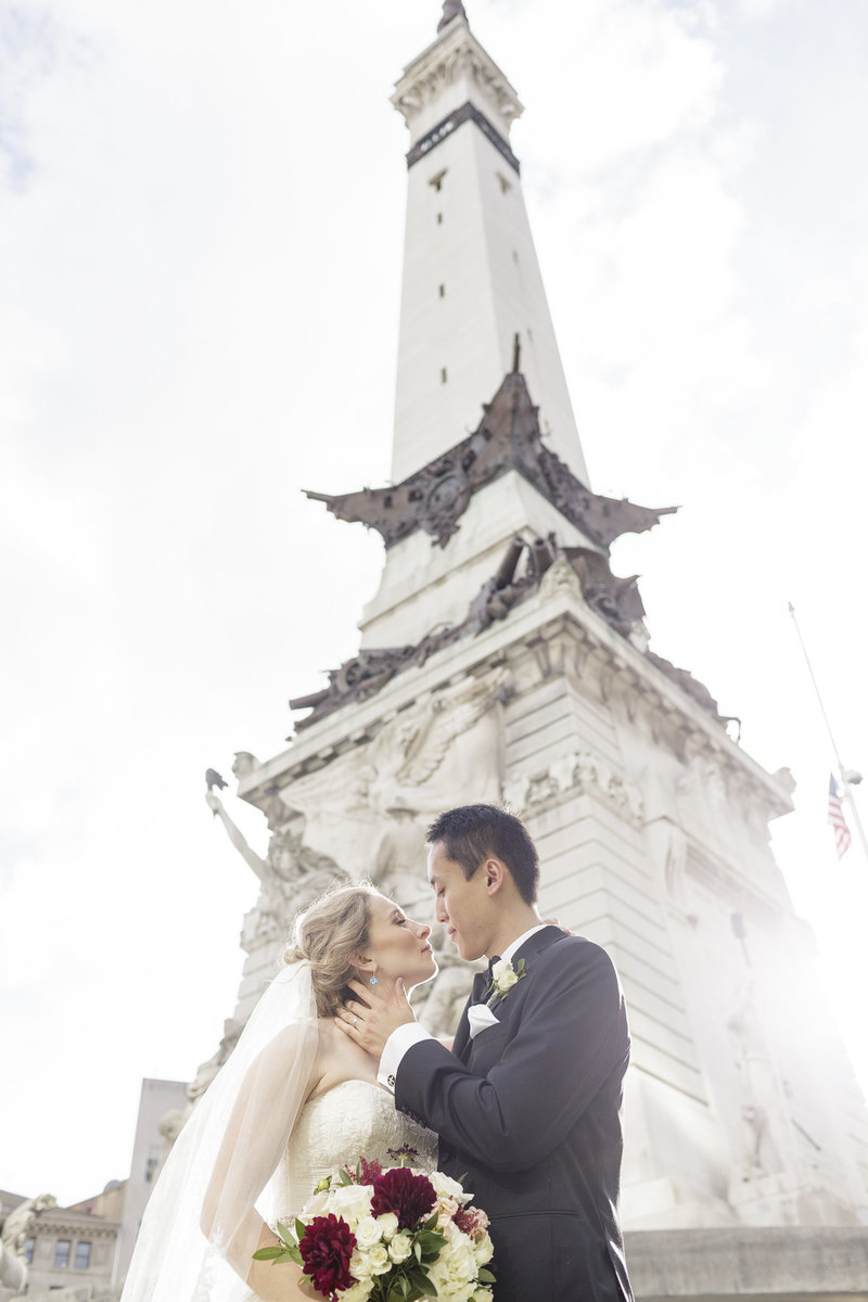 Indianapolis Circle Wedding Pictures | Erika Brown Photography
