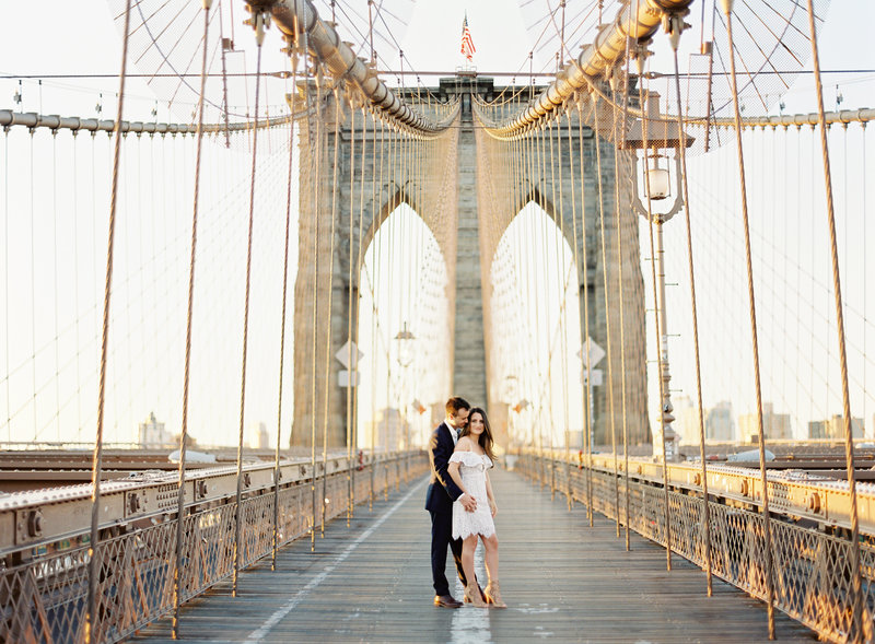 18-Brooklyn-Bridge-Engagement-Photos