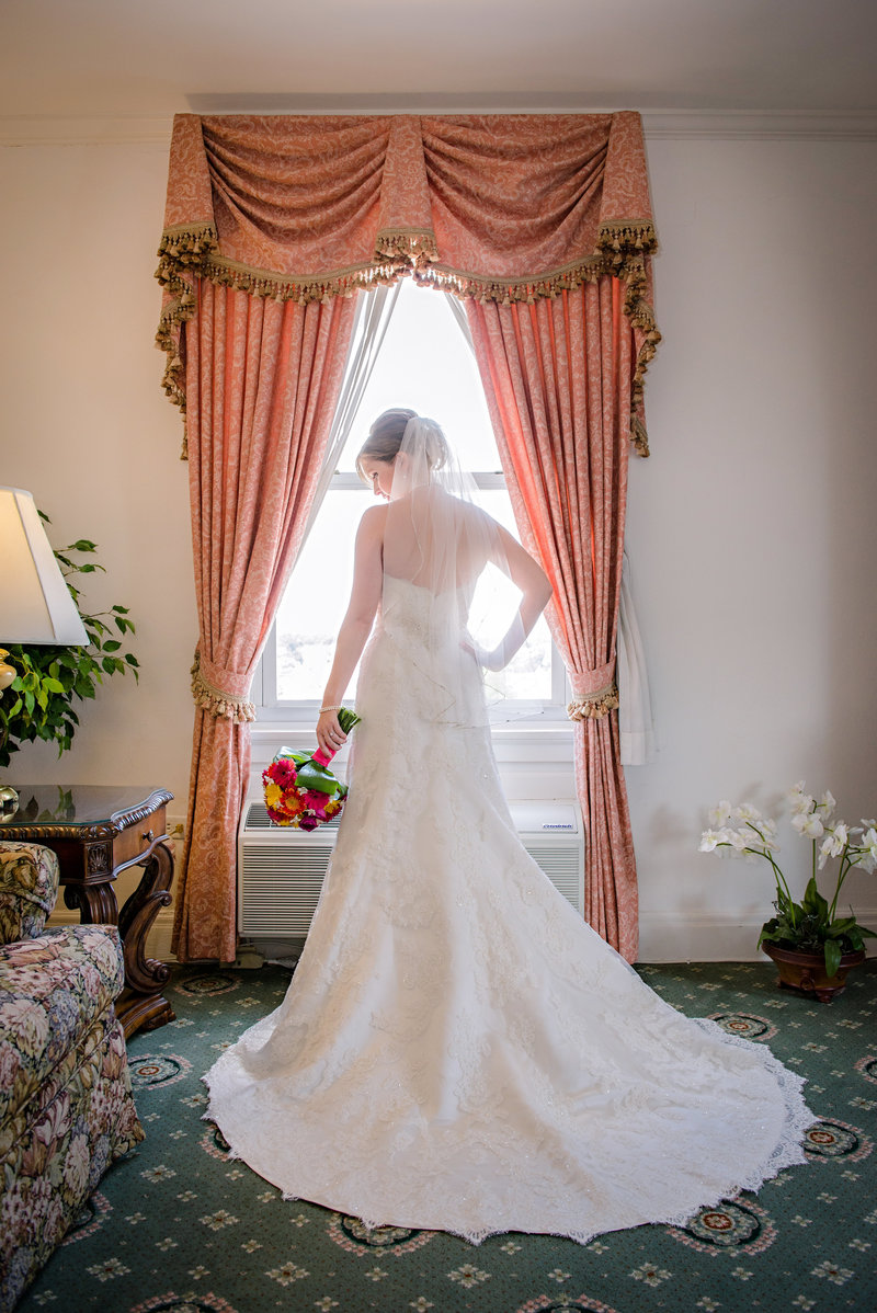 JandDstudio-wedding-photogrphy-york-pa-prep-bride