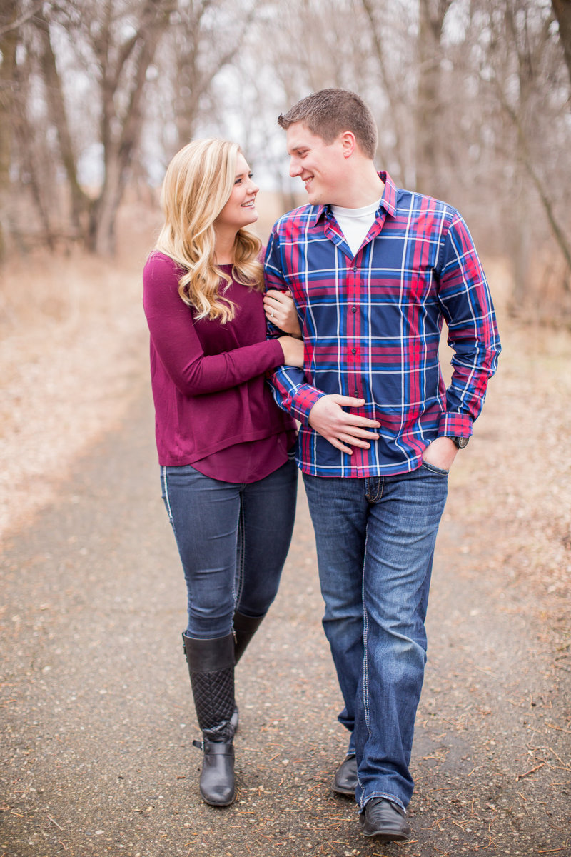 abby_anderson_fargo_moorhead_engagement_photographer_004