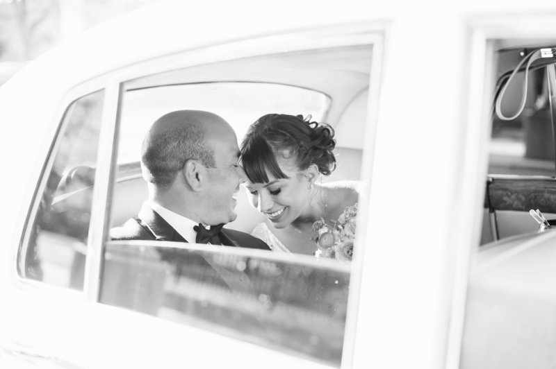bride-and-groom-classic-car