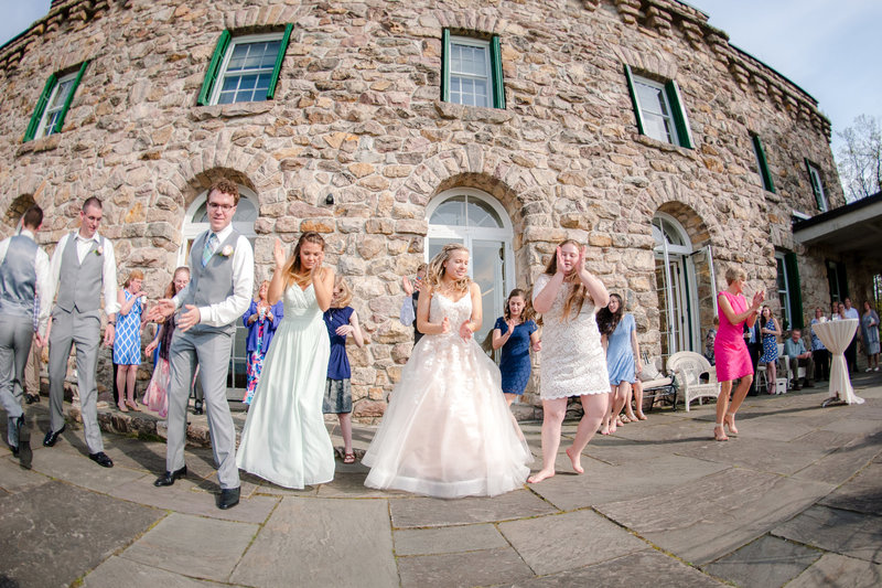 JandDstudio-kings-gap-carlisle-spring-wedding-photography-vintage-dancing
