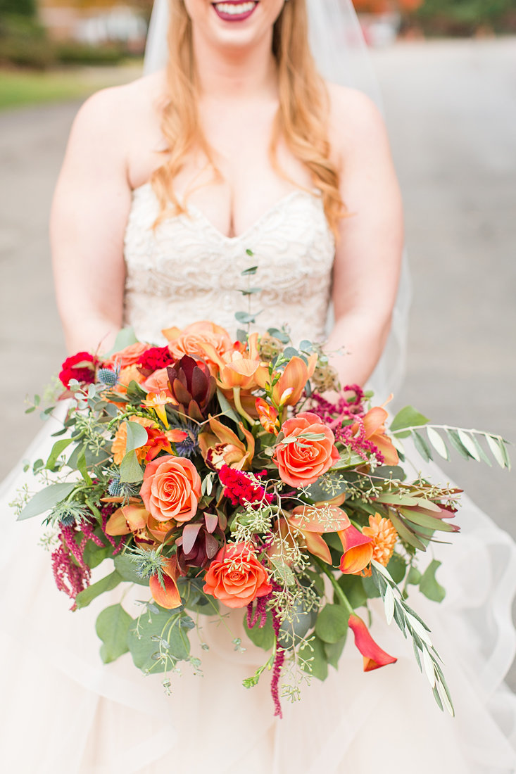 Wedding-Inspiration-Fall-Bouquet-Photo-by-Uniquely-His-Photography01