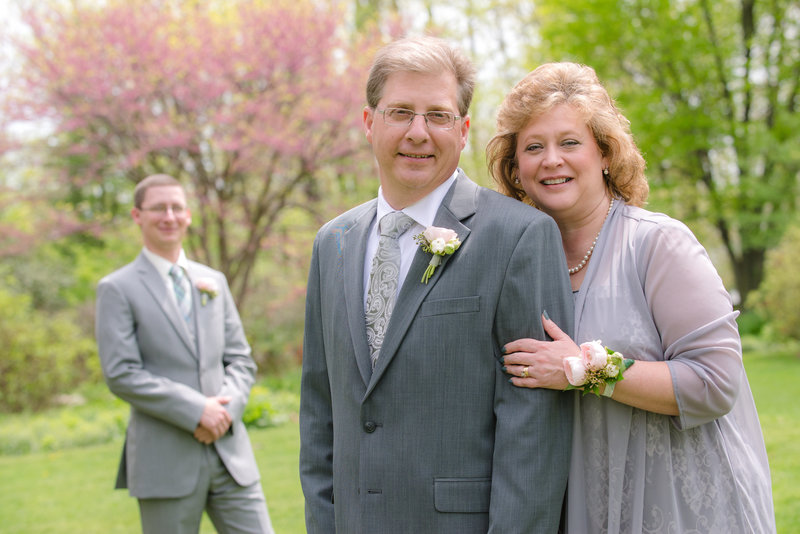 JandDstudio-kings-gap-carlisle-spring-wedding-photography-vintage-groom-parents
