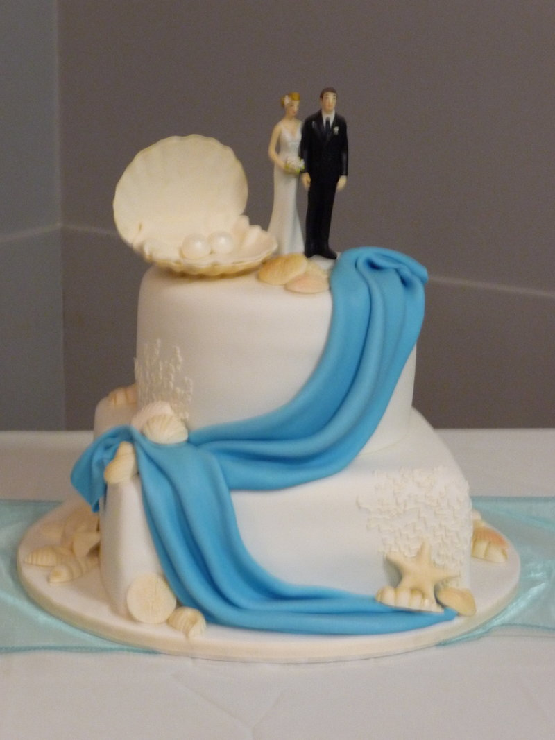 shell swag wedding cake