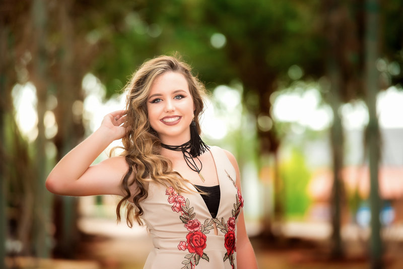 Alabama senior portrait photographer beautiful girl standing in field pose