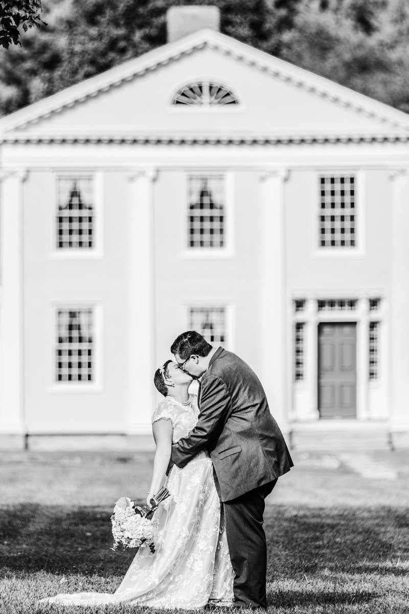 Featured_20150918154607154607150918Dill_Katherine_Jesse_Wedding_BW