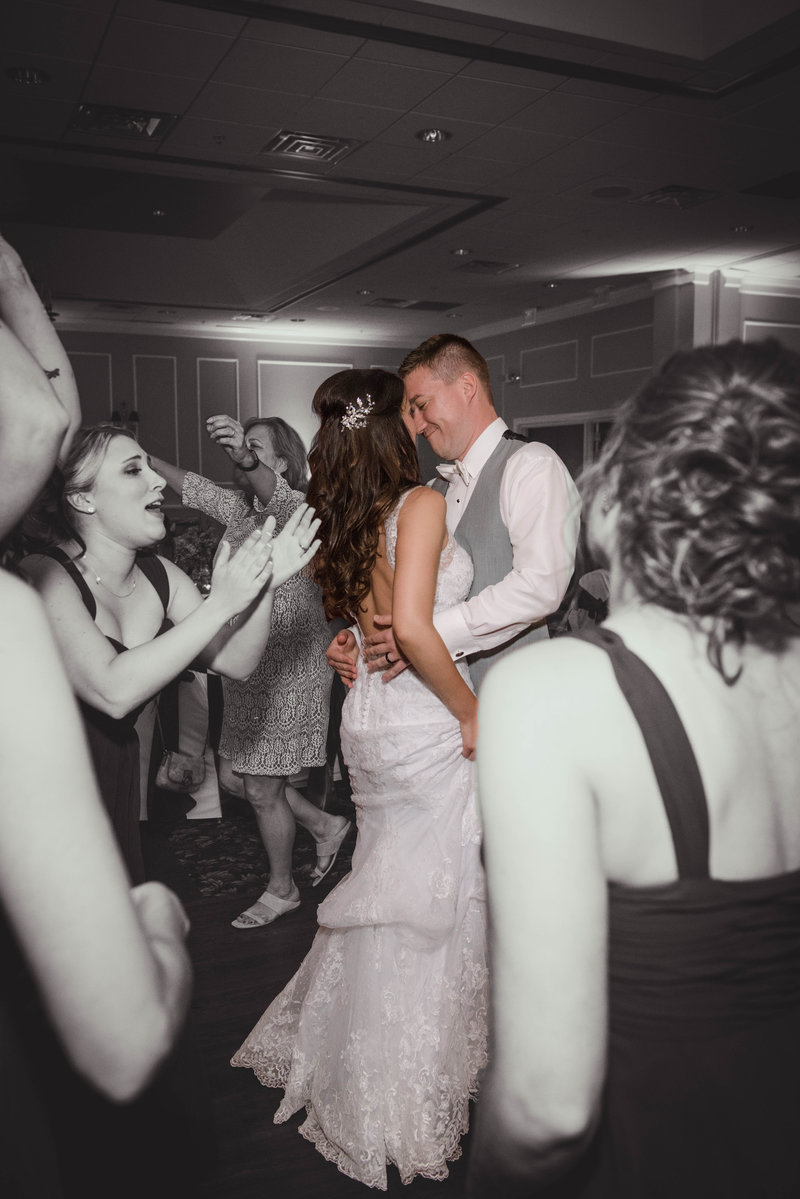 JandDstudio-colonial-golf-and-tennis-club-harrisburg-wedding-photography-blackandwhite-colorpop-reception-dancing